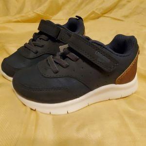 NWT OshKosh 7T Shoes